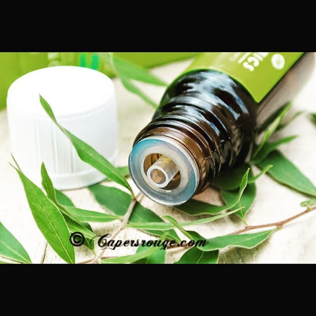 #DidYouKnow Tea tree oil can benefit the following skin conditions:  1. Cures Ring worm and athlete's foot 2. Softens corns 3. Treats Cuts and scrapes 5. Itching of insect bites and chicken pox 6. Treats Warts 7. Cures Acne 8. Cures Dandruff  Comment and Share more #TeaTreeOil #Benefits and #BeautyTips below  #RougeUp to Beauty ❤️