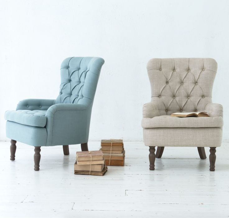 The button back Hound Dog armchair is a true classic and the perfect reading chair. Handmade in Britain, it comes with solid oak upholstered legs. Upholstered here in Cloud Blue vintage linen and Ecru classic linen -available in over 120 gorgeous fabrics.