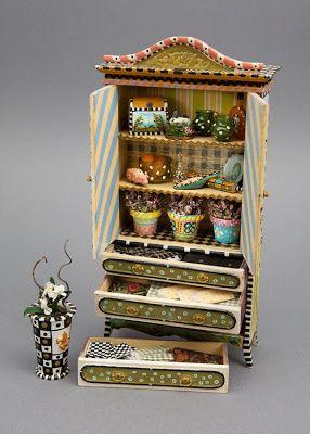 Kaleidoscope cabinet opened up