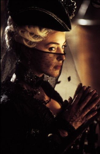 """18th century wickedness in the form of Monica Bellucci in """"The Brotherhood of the Wolf"""". 2001"""
