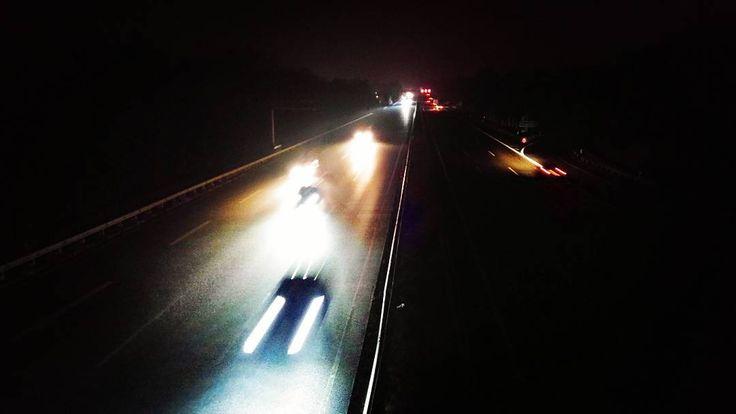 Auch abends ist auf der Autobahn was los #nachtfotografie #nightphotography #autobahn #highway #dark #nacht #night