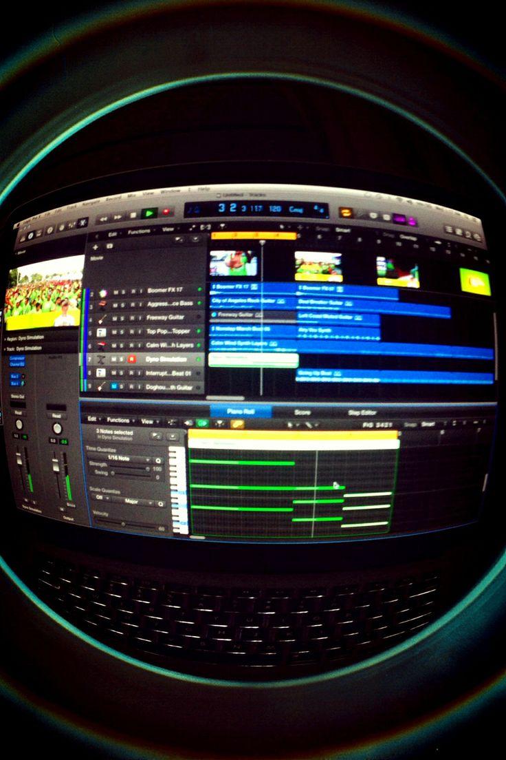 Yang sekarang lagi dikerjakan, scoring atau pembuatan musik  dan sfx untuk sebuah produksi film, yang saya produksi bukan sebuah film tapi filler video untuk meng'kampanyekan sebuah event salah satu produk di media elekteonik/digital.
