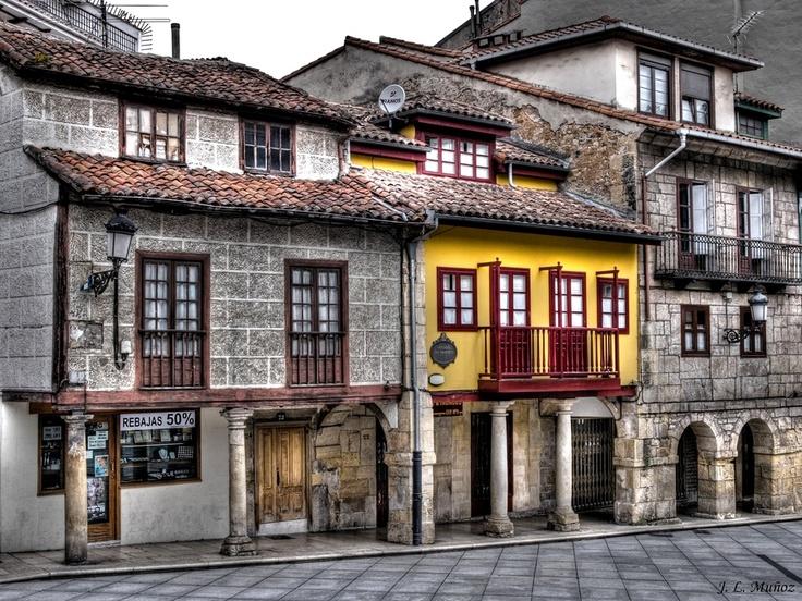 Avilés (Asturias-España) by José L. Muñoz