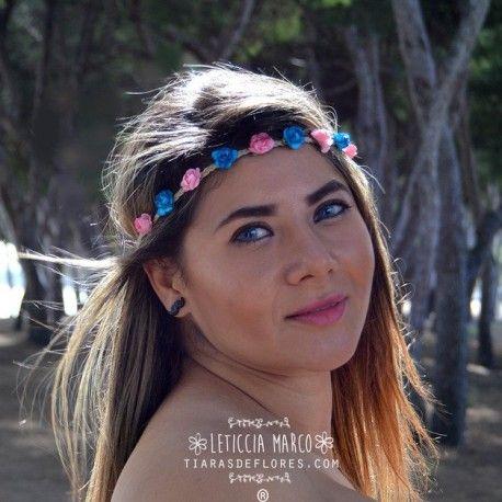 Corona de flores rosa azul www.leticciamarco.com