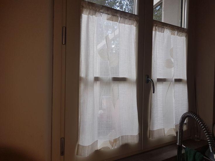 Oltre 25 fantastiche idee su tende per interni su pinterest tende per interni per bambini - Tende da finestra a vetro ...