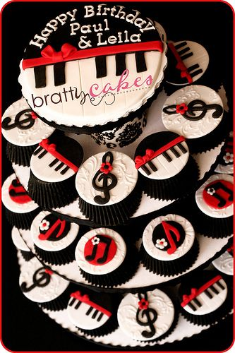 Music Note Cupcake Tower #music #cupcakes #musiccakes http://www.pinterest.com/TheHitman14/music-cakes-food-%2B/