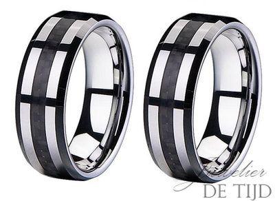 De prijs is de vanaf prijs voor de wolfraam collectie. 8mm breed. Ring leverbaar in maat 50 t/m 70.