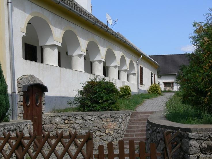 Balatonhenye