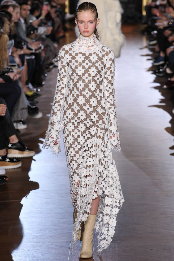 Stella McCartney - Fall 2015 Ready-to-Wear - Look 32 of 42