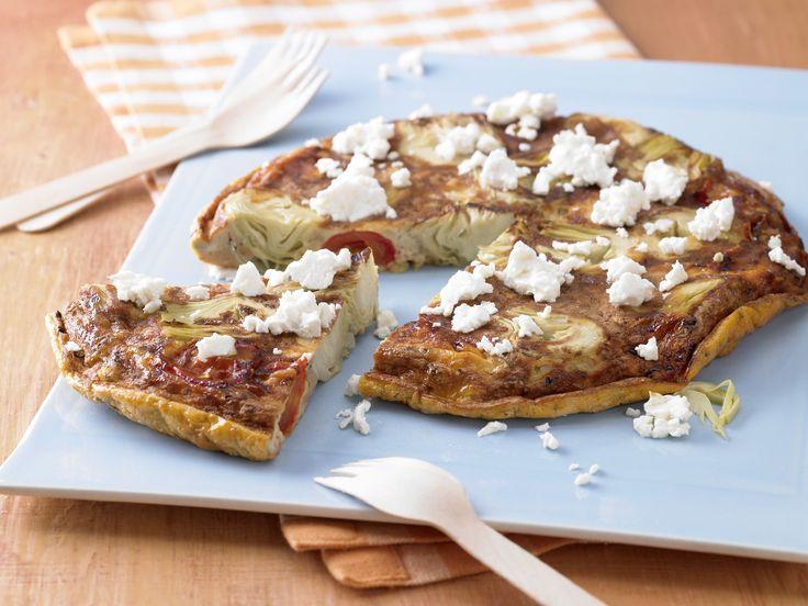 Artischocken-Tortilla - mit Tomaten und Schafskäse - smarter - Kalorien: 246 Kcal - Zeit: 20 Min. | eatsmarter.de Tortilla und Artischocken passen gut zusammen.