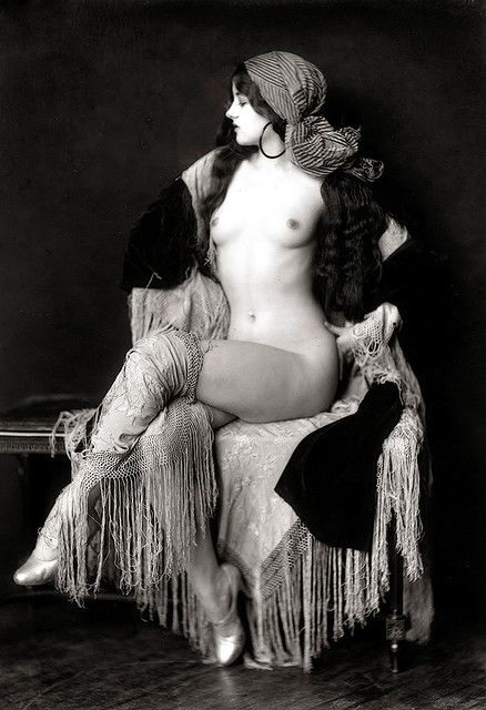 Virginia Biddle  Actress and Ziegfeld Follies dancer. Photo taken by the great Ziegfeld Follies photographer Alfred Cheney Johnston.