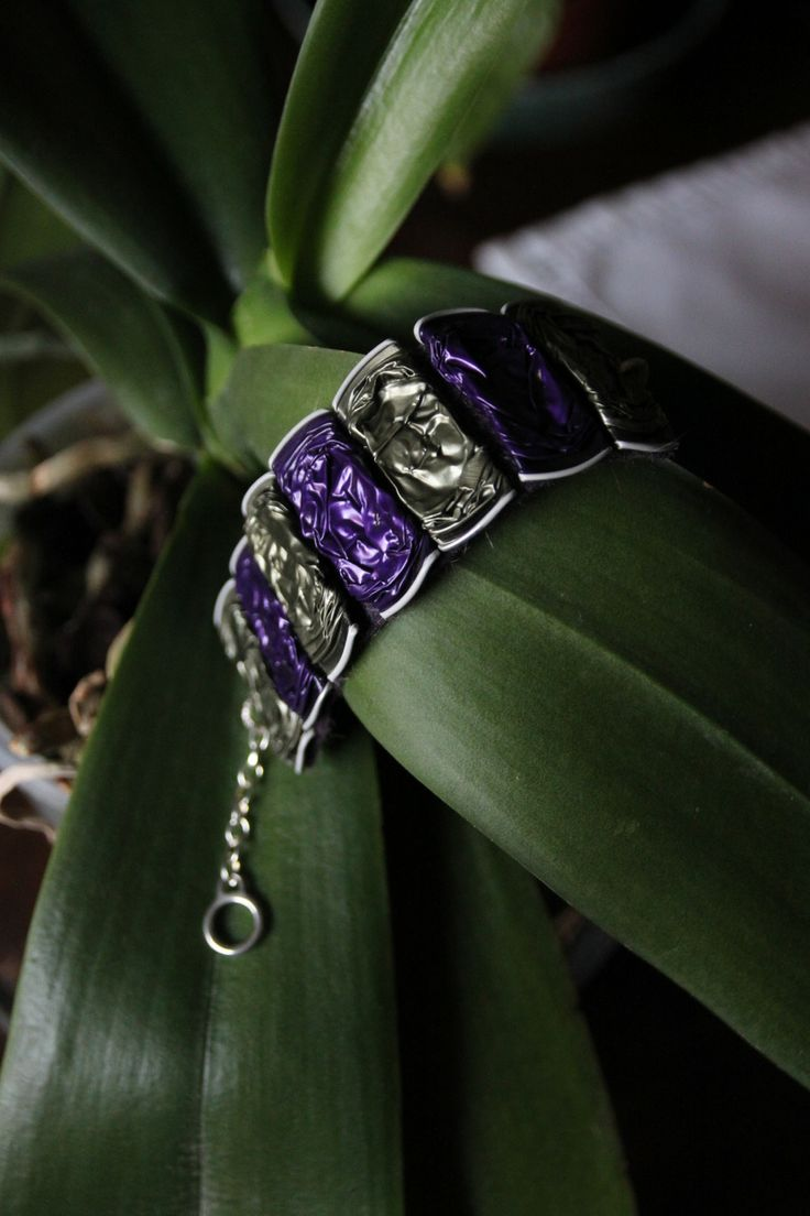 Bracciale con capsule nespresso viola e verde : Bracelet par panna-e-caffe
