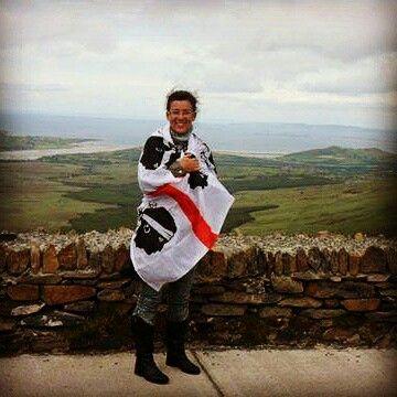 #quattromori #bandierasarda #sardegna La bandiera sarda sventola a Dingle in Irlanda