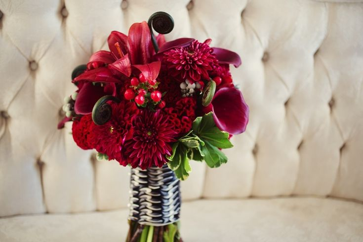 Red Wedding Bouquet Inspiration and Ideas: Red and Pink Bouquets + Boutonnières