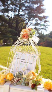 ロマンチックな鳥かごデザイン♡ 黄色のウェルカムボードまとめ。センスがいい結婚式のウェルカムボード一覧。
