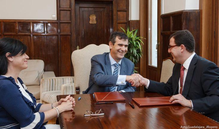 El Patronato Municipal de Cultura y  Gentes de Guadalajara firman el convenio de colaboración para este año