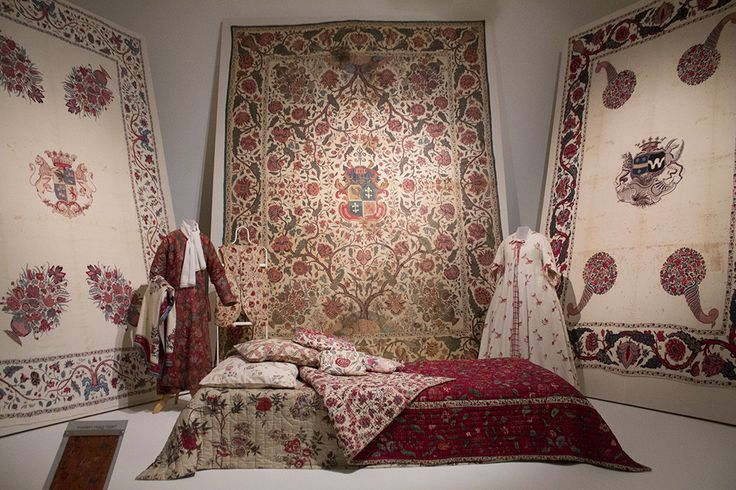 When first introduced, chintz was mostly used as wall hanging, bedspread and for house-clothing. Note the heraldry on the wall-hangings, these were specifically made for the families.