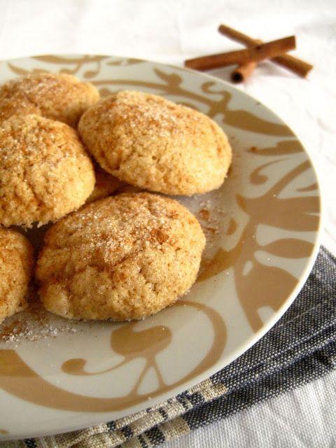 """Αγόρασα πρόσφατα το βιβλίο """"Delicious Cookies"""" της Εβίτας Παπαχαραλάμπους και ειλικρινά έχω να πω μόνο τα καλύτερα... Ένα βιβλίο κομψό και προσεγμένο, με κ"""