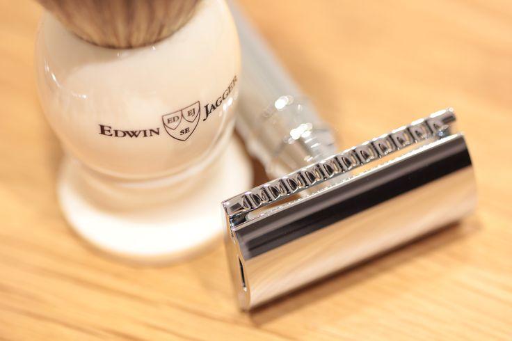 Edwin Jagger DE89 Razor in Chrome and Best Badger Shaving Brush in Ivory.