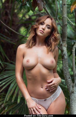 Rosie Jones - naked nice girl with big boob pic