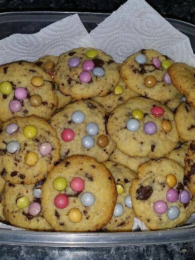 Cookies aux smarties : Recette de Cookies aux smarties - Marmiton