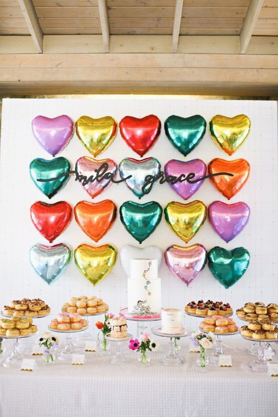 Heart-themed first birthday party. By Adrienne Gunde Photography.