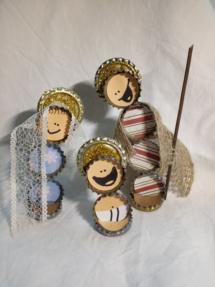 Nacimiento hecho con chapas portal de bel n reciclado - Angeles de navidad manualidades ...