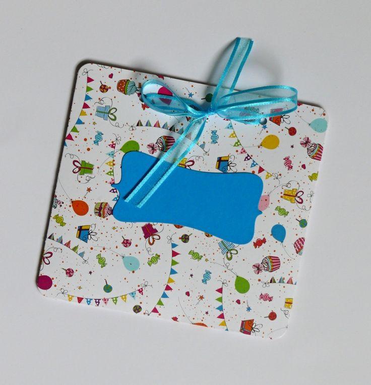 Obálka+na+přání,+CD+či+peníze+chcete+darovat+CD+nebo+peníze,+pak+je+pro+vás+ideální+tato+obálka+velikost+15+x+14+cm+,+z+pevného+kvalitního+kartonu+vysoké+gramáže+300+gsm+s+krásnám+motivem+dortíčků,+balónků,+dárečků,+muffinů,+ve+stejném+motivu+také+dárkové+krabičky+lze+přidat+i+jiný+štítek+např.+přání+krásné+narozeniny+nebo+pozvánka+na+oslavu