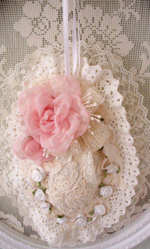 Idea - for wrapping soap, sachet or pincushion. Love the lace and flowers! ;)