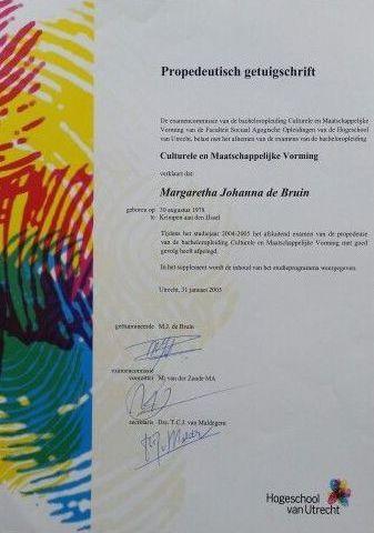 1999 - 2005 HOGESCHOOL van Utrecht - CMV (Cultureel Maatschappelijke Vorming) Met enorm veel plezier in het 1e jaar behaalde ik mijn propedeuse.