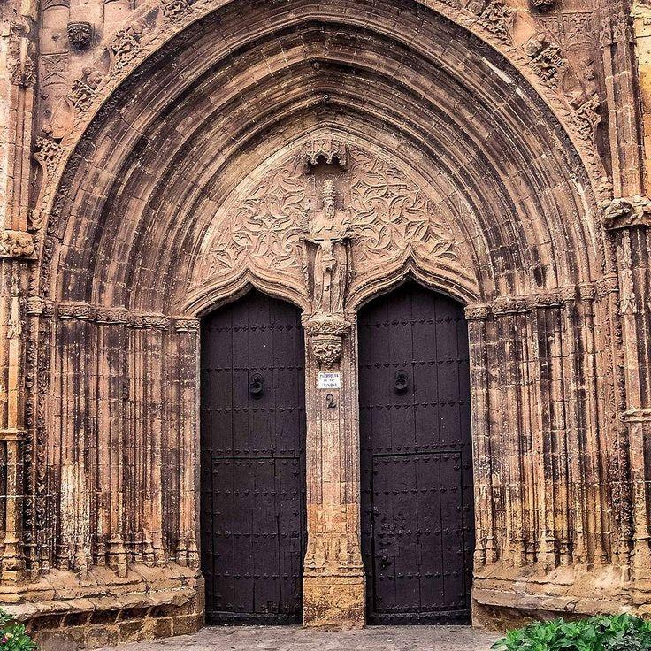 Santisima Trinidad i Santa Maria. #Gothic #Church details of #Main #Entrace #Eardrum and #Archivolts at #Alcaraz #CastillaLaMancha #Spain #DaveKustomShots  #MedievalWorld #CLM. More at http://bit.ly/DKSNstgrm