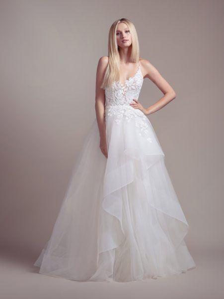 54102e0b72 Lace Bodice Spaghetti Strap Ball Gown Wedding Dress in 2019 ...