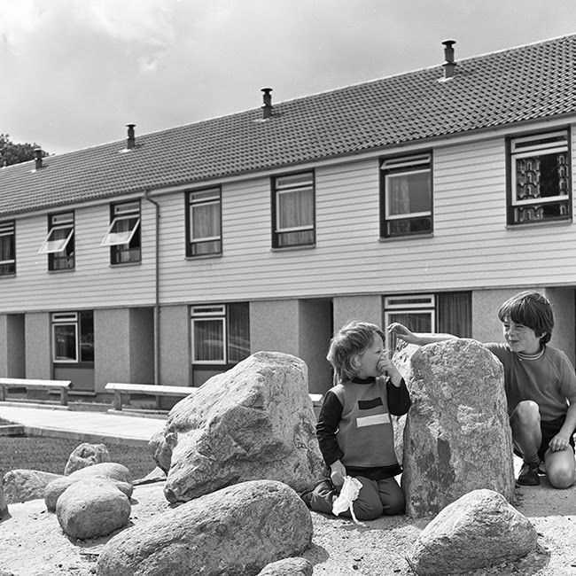 Omagh - new homes in Strathroy 1975
