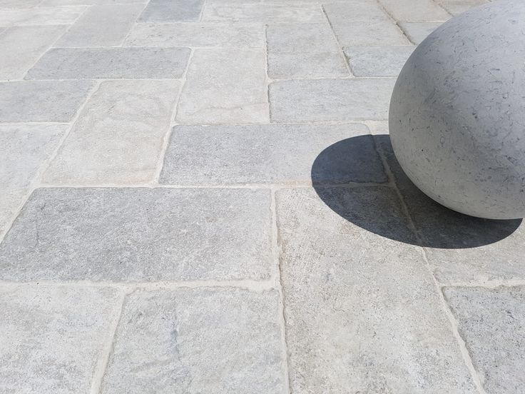 https://flic.kr/p/Kzh3wS | gray limestone paving outdoor | www.resido.ro www.gray-limestone.com