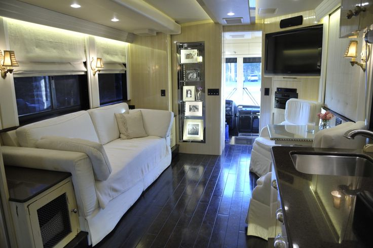 Kellie Pickler's Tour Bus, The main living area inside Kellie Pickler's tour bus, as featured in HGTV's Celebrity Motor Homes. © 2011, HGTV/Scripps Networks, LLC. All Rights Reserved.  Kellie's Official GACTV.com Photo Gallery >>  For more on HGTV's Celebrity Motor Homes,  cl