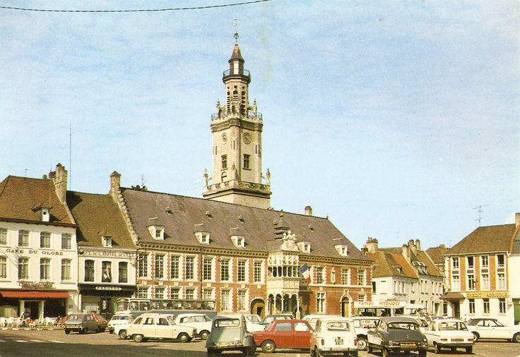 Hesdin, Grand-Place - L'Hôtel de Ville