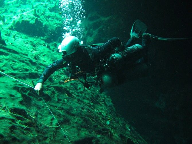 Sidemount Stage Cave Diving