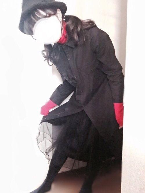 . 赤×黒🐼🌹 昨日のコーデの中身です☃❄︎.° シャツワンピの下に チュールスカート、毛糸のパ