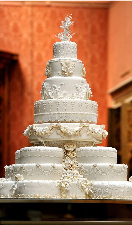 William and Catherine   Wedding cake   Lovely Royals Blog