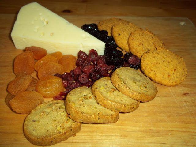 """Υπέροχα, """"εθιστικά"""" αλμυρά μπισκοτάκια με blue cheese και φυστίκια Αιγίνης"""