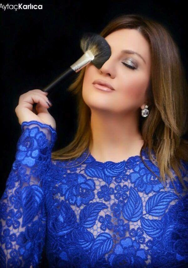 """Yeni albümünün hazırlıklarını sürdüren Sibel Can 2016 arabesk yılı olacak"""" dedi."""