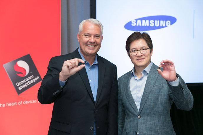 Wyciekły slajdy prezentujące Snapdragon'a 835, jest to procesor który znajdziemy w Samsung'u Galaxy S8, a także topowych modelach LG, Motoroli, HTC oraz OnePlus i Xiaomi.   #835 #Qualcomm #Samsung #Snapdragon