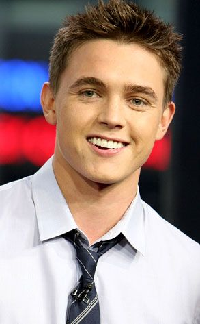 Jesse McCartney Age, Weight, Height, Measurements - http://www.celebritysizes.com/jesse-mccartney-age-weight-height-measurements/