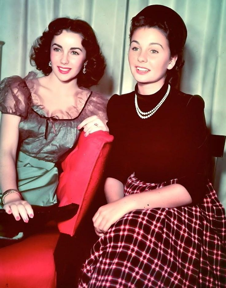 Elizabeth Taylor and Jean Simmons