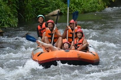 Rafting in Bali have a different water categories include the Ayung River and Telaga Waja River Here I explain about the Ayung River is located in Ubud - Bali