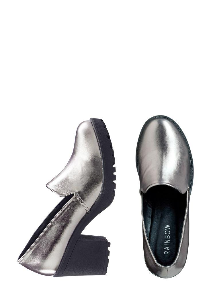 Ideal zum Ausgehen, Tanzen, Flirten – der Slipper mit Blockabsatz - silber metallic