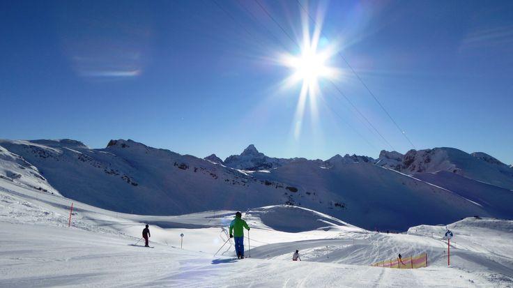Skifahren auf dem Nelbelhorn. Hoch über Oberstdorf mit 400-Gipfel-Blick und der längsten Talabfahrt Deutschlands.