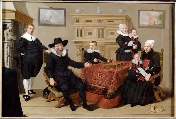 @Zuiderzeemuseum Hoe kun je aan dit familieportet zien dat het om een rijk gezin gaat? #collectievissen #rangenenstanden http://t.co/e89FWIix