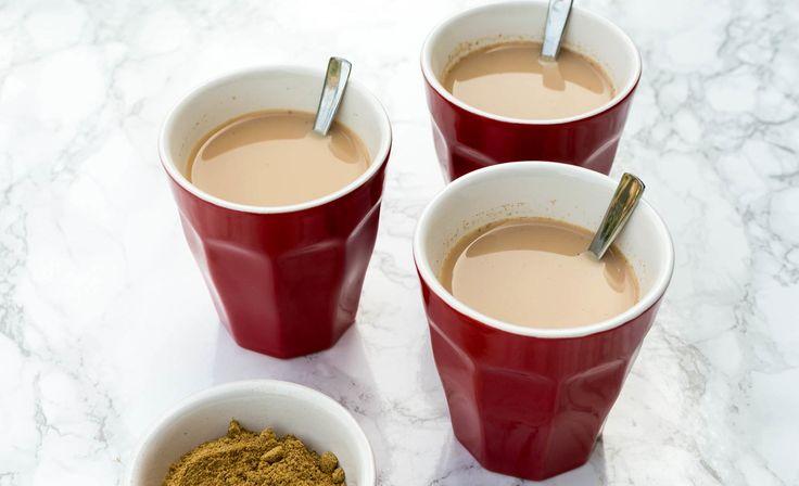 Met dit recept maak je heerlijke kruidige Indiase chai masala thee. Een must try voor theeliefhebbers. Super simpel en onwijs lekker!