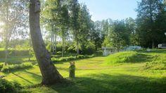 SIKHALLS CAMPING liegt sehr hübsch am Vänern, 25 km nördlich von Vänersborg und 10 km östlich von Brålanda.